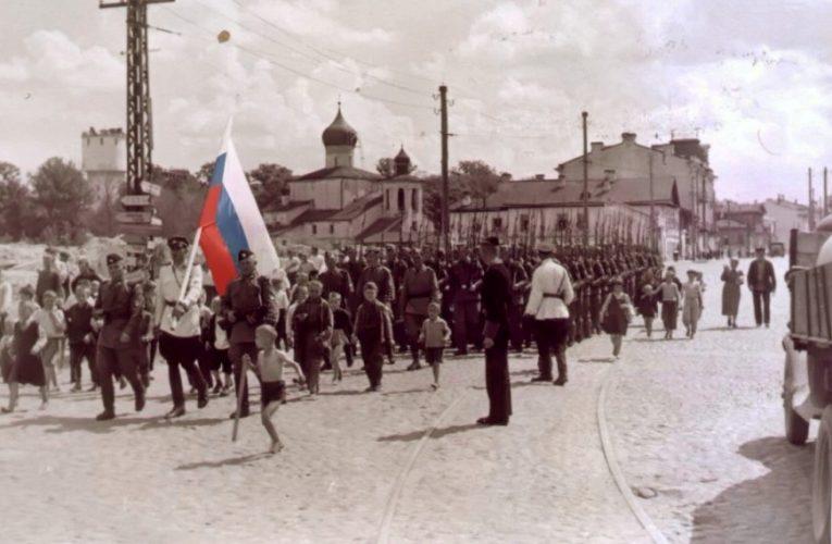 В селе Красном установлен бюст белого казачьего командира убийц Чапаева