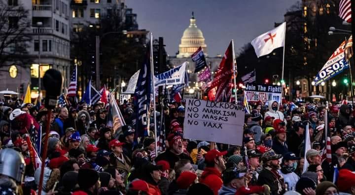 Америку ждет жесткая корпоративная диктатура или социальная революция