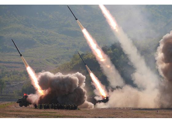 Секретарь Пак Чон Чхон руководил учебными стрельбами железнодорожно-мобильного ракетного полка